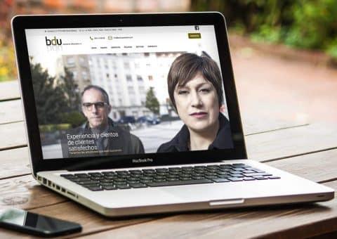 Diseño web - Página implementada para BDU - Asesores Gasteiz - Burman agencia de Comunicación y Marketing