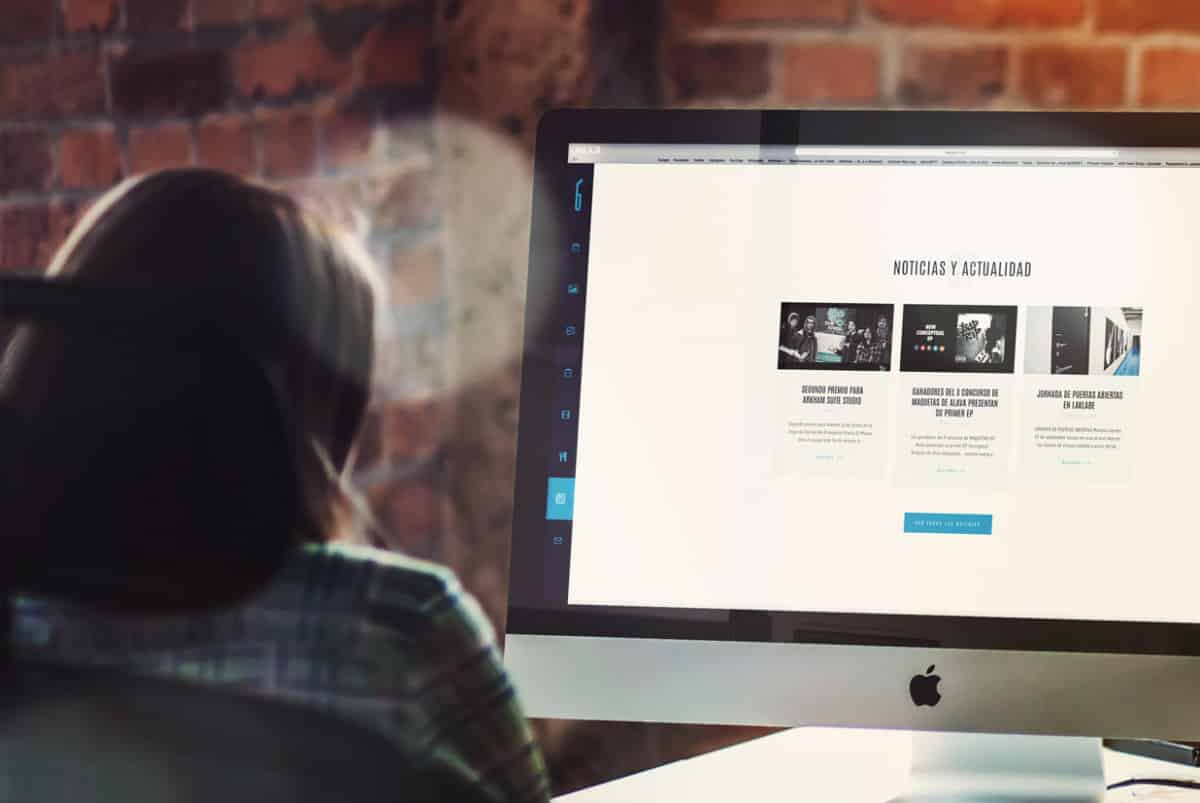 Diseño web de laklabe locales de ensayo noticias